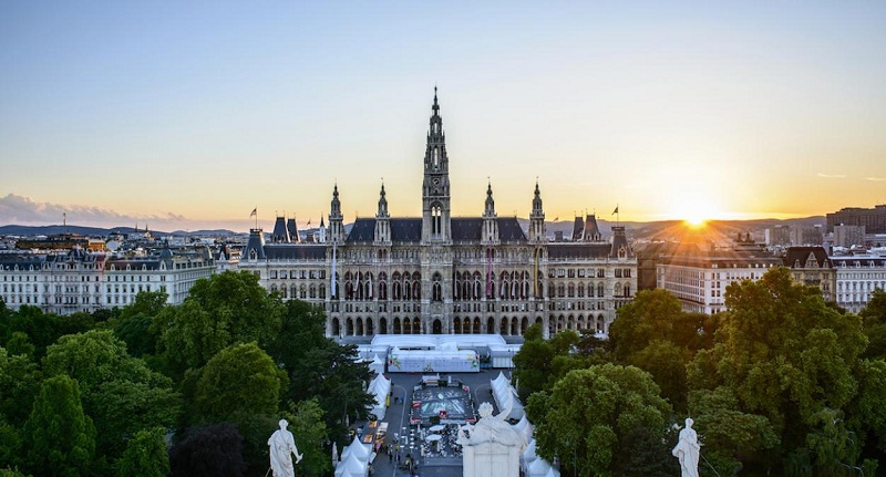 Vienna, concert, and party in the streets