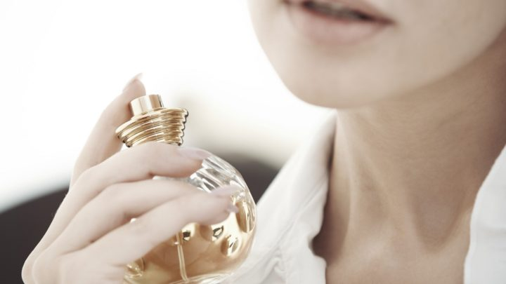 Where Is The Right Way To Put Perfume On The Body To Smell Longer?