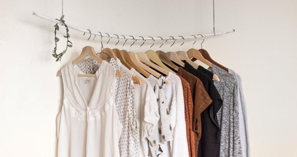 Minimalism Style Woman's Clothes